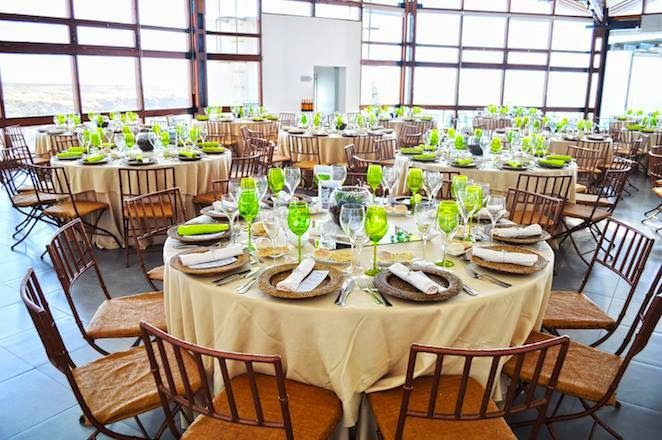 http://portugalweddingguide.com/blog/2014/05/12/wedding-cocktail-in-a-venue-by-the-sea/ #weddingportugal   #portugalwedding   #weddingabroad   #wedding   #weddingplanners   #weddingbythesea   #bythesea   #casamento   #casamentonapraia   #cascais   #guincho