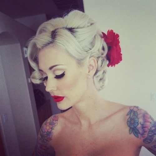 Wedding Hair, Vintage Hair, Beautiful, Hair Tattoo, Red Lips, Hair Makeup, Hair Style, Pinup, Pin Up