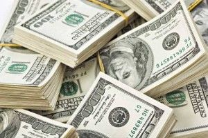 Polivargas sorprende a sujeto con 10 mil dolares durante operativo nocturno