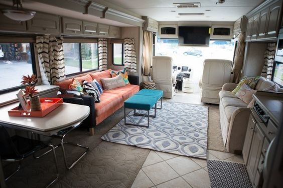 Beautiful RV Makeover!  http://mobilehomeliving.org/colorful-rv-makeover/