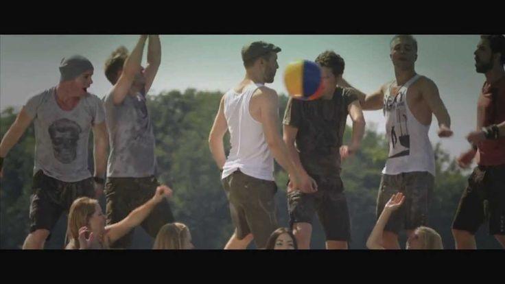 """voXXclub """"Rock mi"""" (Remix!) [Offizielles Musikvideo] Ich mag dieses Lied. Ich freue mich, dass ich diese Band gefunden, denn sie ist fantastisch."""