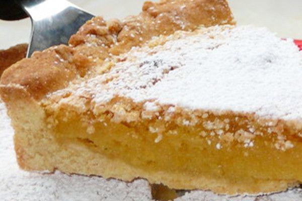 Amêndoa escondida em Tarte Húmida Coberta de Neve - http://www.receitasja.com/amendoa-escondida-em-tarte-humida-coberta-de-neve/