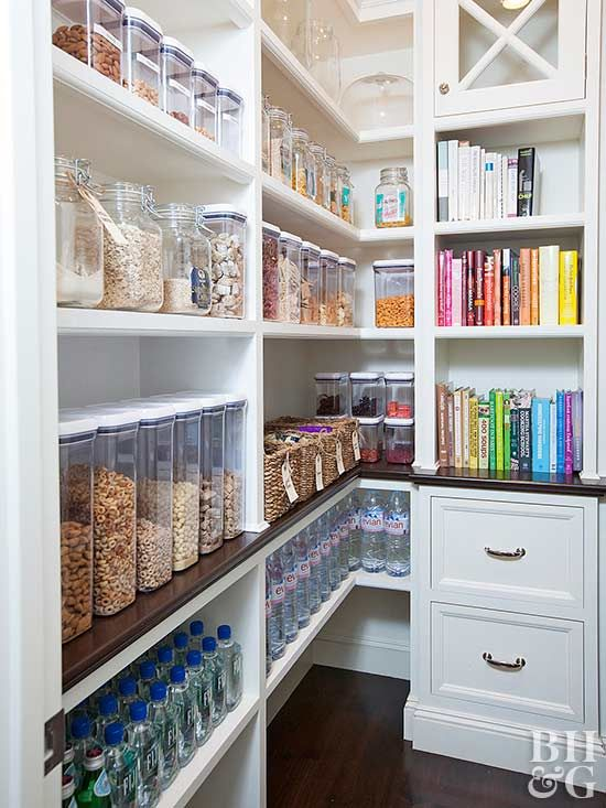 Rethink the way you store your food in your pantry. These super organized, color-coded and food zone pantries give us major organization envy! Pick up a few tips from the best around. #tips #pantry #organize
