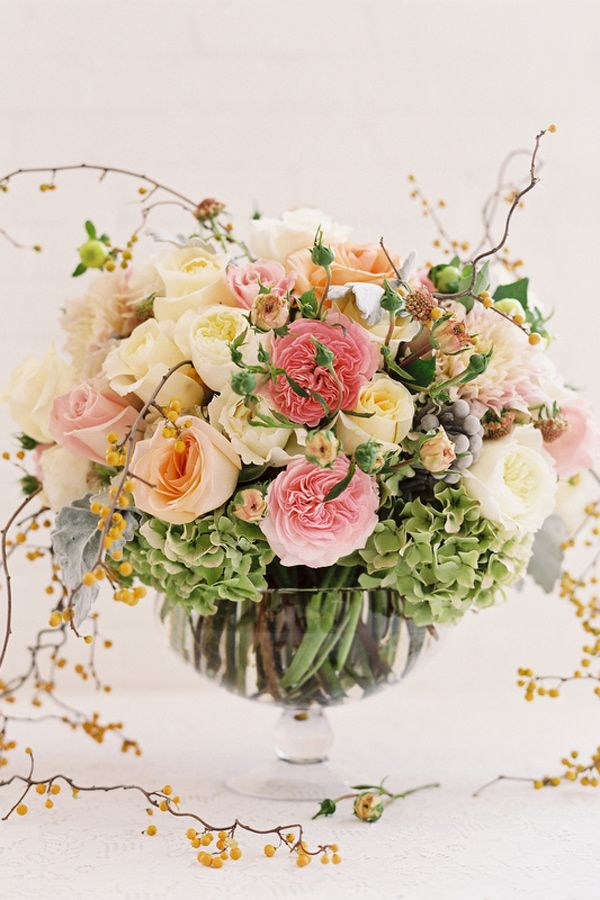 Spring wedding flower trends by tessa woolf