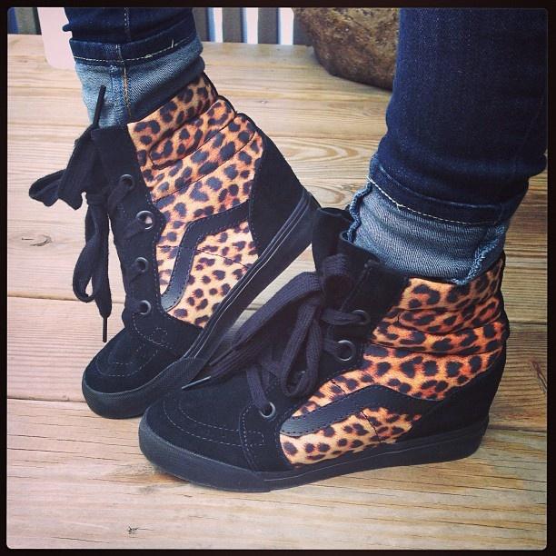 vans leopard print sk8 hi on feet
