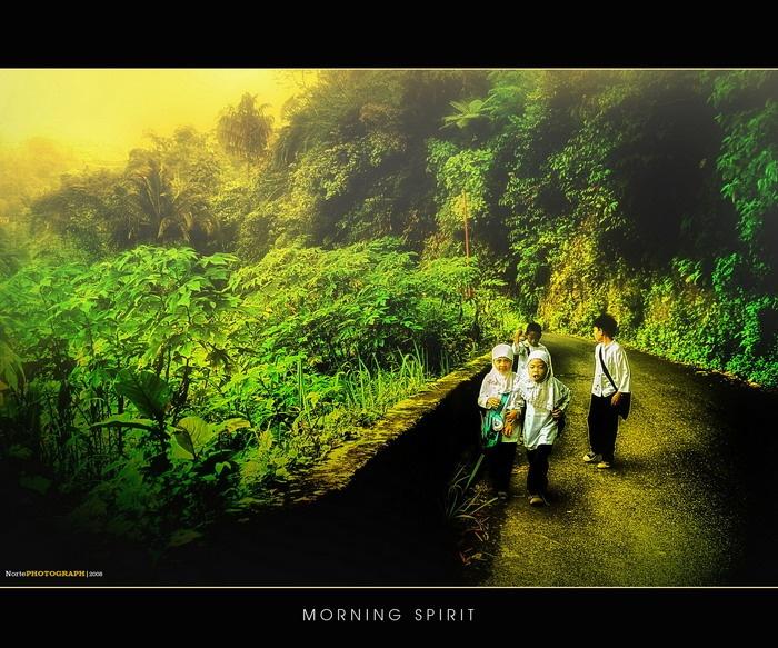 Pandang Panjang - on the road to school