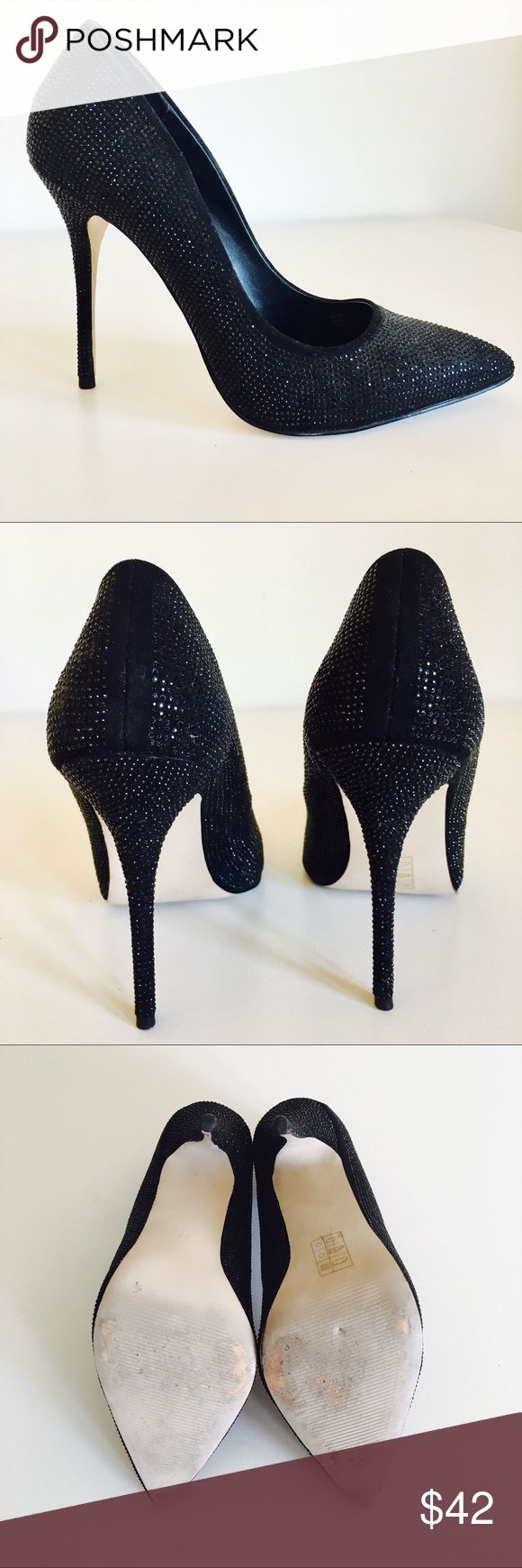 Carvers Kurt Geiger Embellished Stiletto Stunning and sexy black stiletto by Kurt Geiger for Carvela. In excellent condition. Gives the most flattering leg. Has just the right amount of sparkle yet still very sophisticated. Size is 9 / 40 Carvela Kurt Gieger Shoes Heels