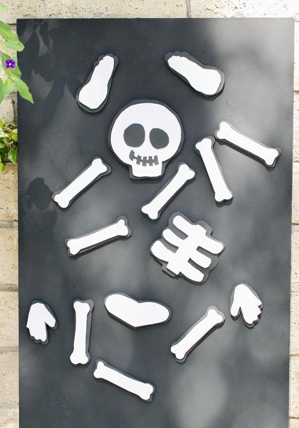 Magnetic skeleton board ~ fun Halloween game