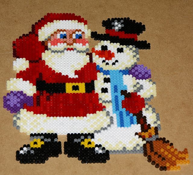 Snowman and Santa Claus Hama perler geads, by dolmibine #Christmas #strijkkralen