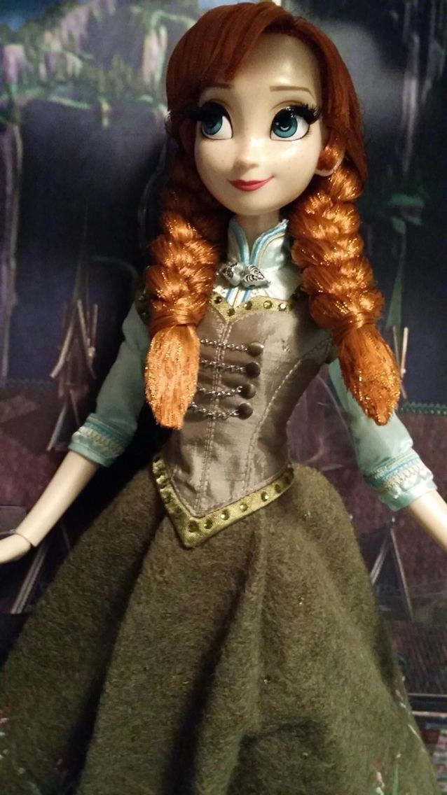 """Disney Store 17"""" Frozen ice skating outfit Anna Limited Edition (1 of 5000)"""