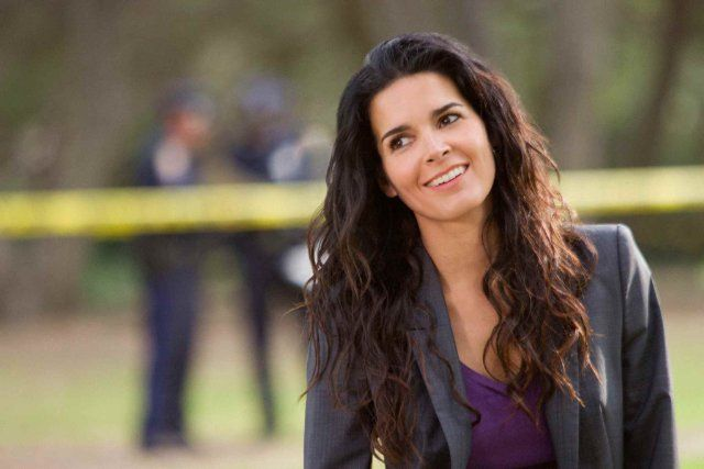 Angie Harmon...she's naturally beautiful and I love her on Rizzoli & Isles :)