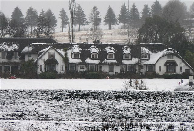 Snow on the thatched roof of Rawdon's Hotel Midlands Meander, KZN, South Africa. See more at www.midlandsmeander.co.za (2007 courtesy of Des Head)