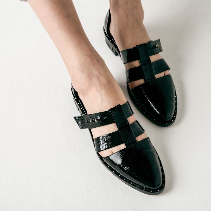 Lock T-Strap Caged Flat