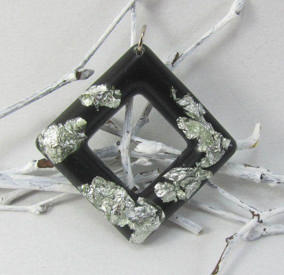 Declaración collar de resina de color negro con por ELcreations1