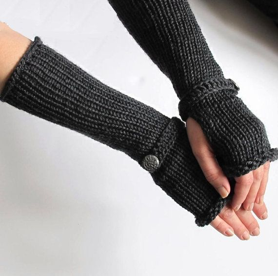 Womens Fingerless Gloves To Match The Vampire by HunkyDoriBoutique, $32.00