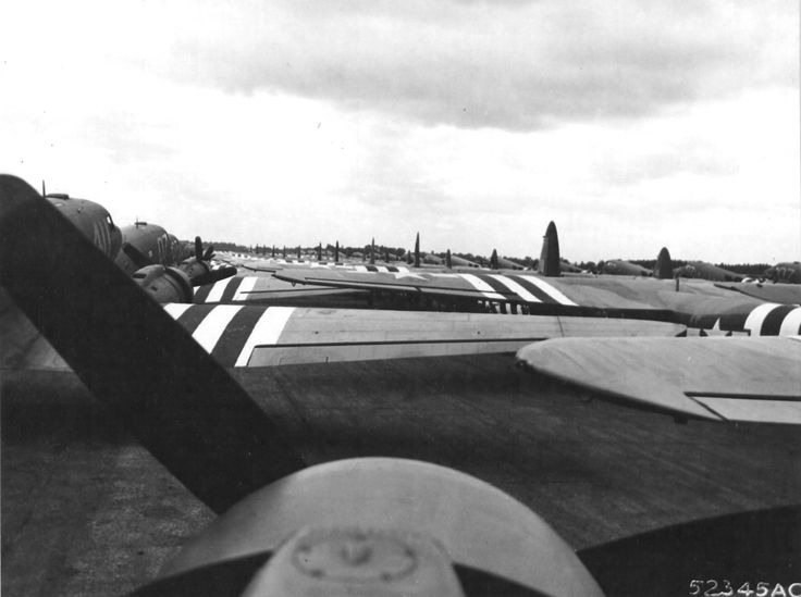 [Photo] C-47 Skytrains and Horsa gliders from the 438th Troop Carrier Group lined up at Greenham Common, Newbury, Berkshire, England, prior to the D-Day ...