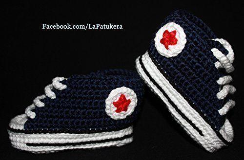 Patucos para bebé de crochet, Unisex. Estilo converse all star, de color Azul Marino, 100% algodón, tallas de 0 hasta 12 meses, hechos a mano en España.