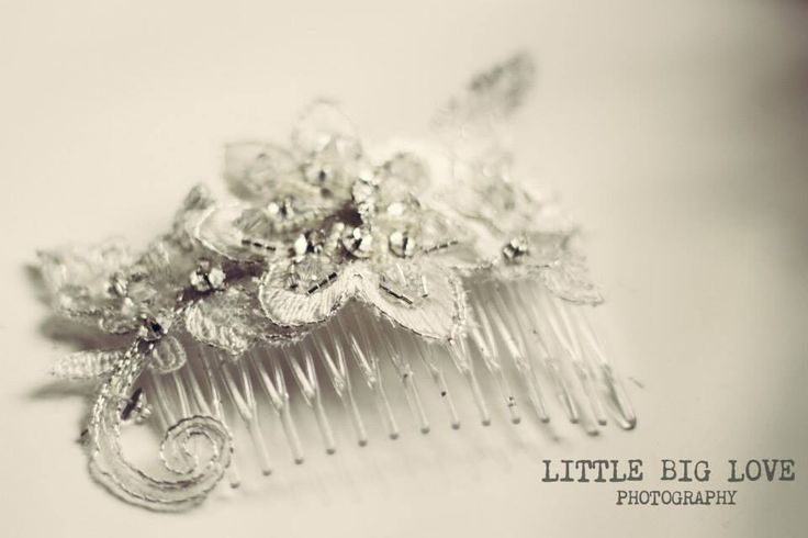 Beautiful crystal head piece creativecollections@live.com.au
