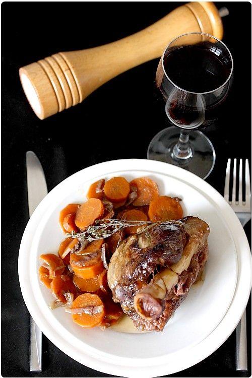 Souris d'agneau braisée au vin rouge