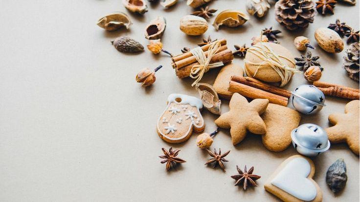 Voici 17 recettes de biscuits de Noël que vous allez adorer. Ne dérogez pas à la tradition de Noël avec ses petits biscuits.