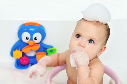 ベビーバスチェアの口コミでおすすめ!人気ランキング-Akakomi ベビーバスチェアと赤ちゃん