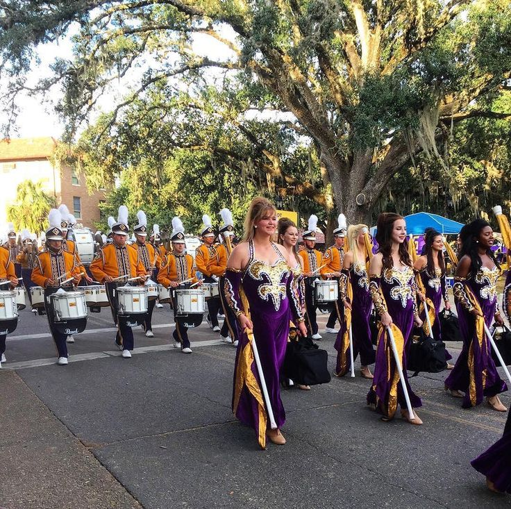 #LSU has tons of tailgating traditions one of which is the Band March! Thanks @jleje!  #SuperTailgate #tailgate #tailgating #win #letsgo #gameday #travel #adventure #stadium #party #sport #ESPN #jersey #sports #league #SportsNews #score #photooftheday #love #football #NCAAF #CollegeFootball