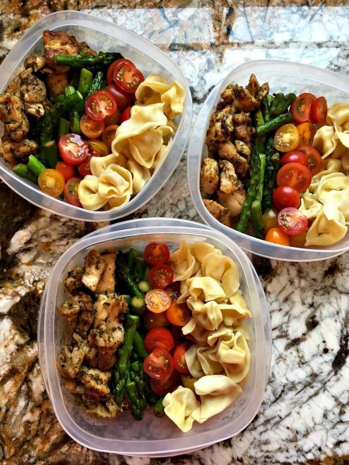 Segunda feira de preparação de refeição: Tigelas de pesto de tortellini de frango