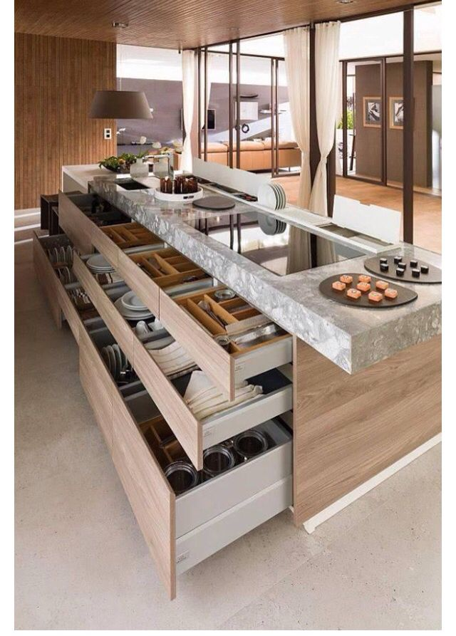 Plate storage in bottom drawers