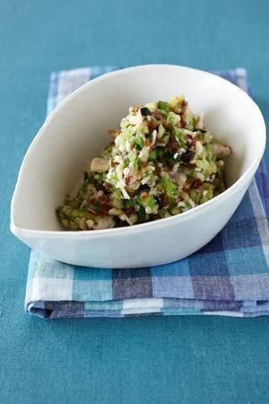 夏野菜をふんだんに使った長野県の郷土料理。ご飯はもちろん、そうめんや冷ややっこにのせてどうぞ。 料理: 飛田和緒 材料 (作りやすい分量) なす 1個 きゅうり 1本 みょうが 1個 オクラ 4本 えのきだけ 1袋 奈良漬け(なければ、たくあんなどの古漬け) 120g 塩