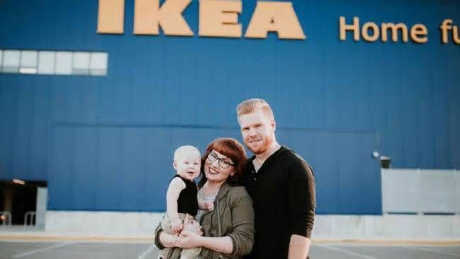 """It's not for me, but date night at Ikea is what one English couple does regularly As one account of dating in Ikea suggests, """"if the date is a disaster ... and require you to walk through 27 separate sections offering a dazzling array of discount wall decorations, home textiles and storage options. Chances are you will have changed ..."""