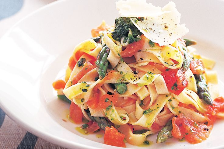 Take ordinary pasta and transform it into a fabulous fresh meal using tomatoes and asparagus.
