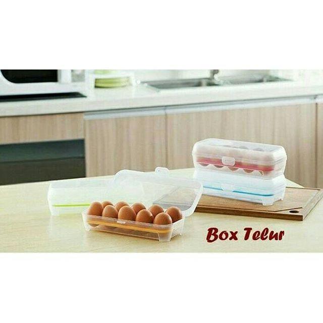Box telur isi 10  Rp 35.000  Box Telur 10 sekat (kotak dengan sekat khusus untuk tempat telur)  Suka repot menyimpan telur di kulkas ?? Atau suka sebel bawa hasil belanjaan telur dari pasar, belum sampai rumah telur sudah pecah kena banturan saat di perjalanan.  Gak perlu sebel, box telur siap membantu anda mengatasi masalah ini. Box telur adalah kotak yang dirancang dengan sekat khusus untuk tempat menyimpan telur. 1 box terdapat 10 sekat, muat 10 butir telur.  Box telur terbuat dari bahan…