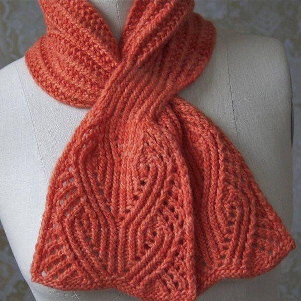 Модный шарф спицами