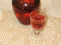 Polish Cranberry Cordial Recipe - Likier Zurawinka | This alcoholic beverage combines fresh raspberries and strawberries with cranberry juice and 100-proof vodka. It only takes two days to mature, so na zdrowia (cheers)!
