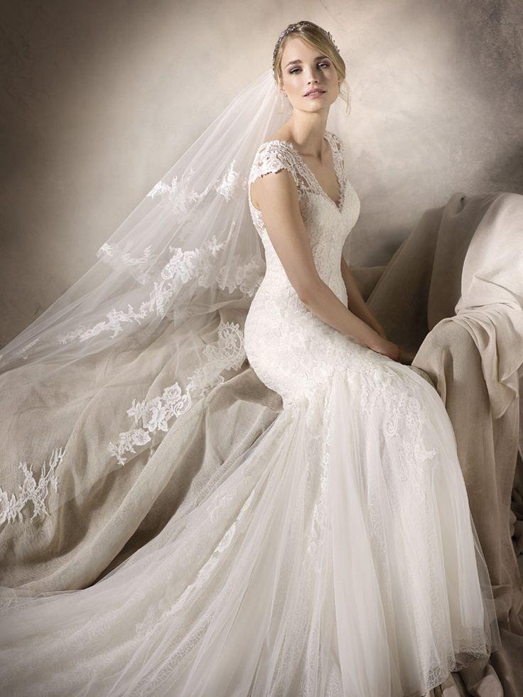 Classy Ivory dress from the La Sposa 2017 range. Mermaid style wedding dress @ Cape Town Bridal Studio - House of Silk