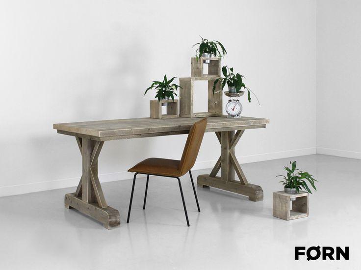 Meer dan 1000 idee n over tafel planken op pinterest openlucht slaapkamer pantry kast en - Tafel een kribbe stijl industriel ...