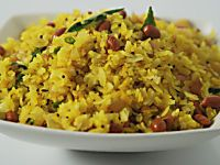 Kanda Poha Vegetarian Recipe by Master Chef Sanjeev Kapoor.