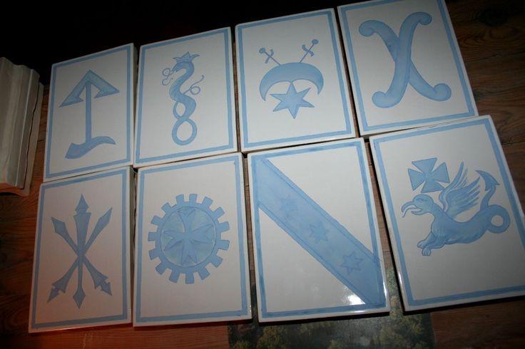 malowane kobaltem kafle przed wypałem. Danuta Rożnowska-Borys -BorysArt