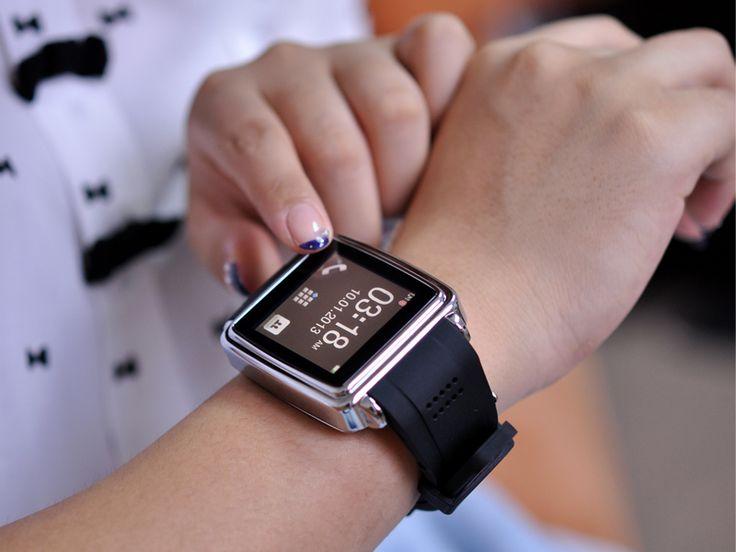 Ceas Smartwatch Color cu Bluetooth si Touchscreen http://www.gadgetworld.ro/ceas-smartwatch-color-cu-bluetooth-si-touchscreen.html