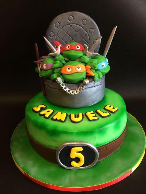 Torta delle Tartarughe Ninja con decorazioni in pasta di zucchero n.72