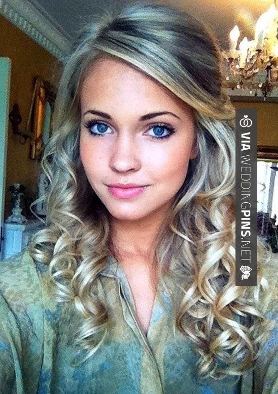 Wedding Guest Hair – Half up half down curled hairstyle