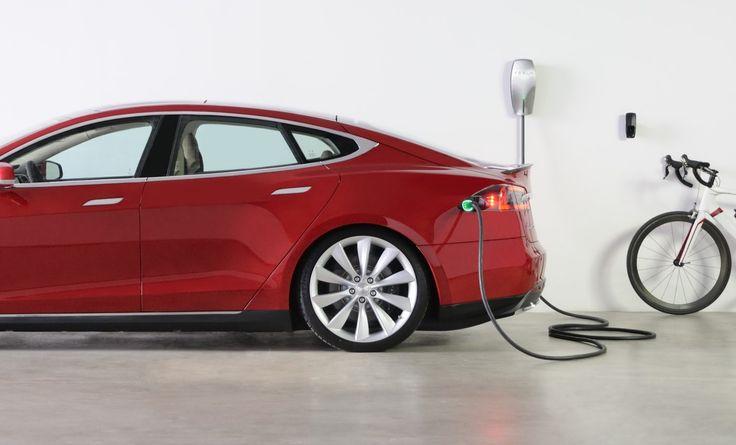 Ile kilometrów zasięgu dla samochodów elektrycznych Tesla będzie idealnąliczbą? Czy nowe baterie z zasięgiem ponad 500 km wystarczą? #tesla #models #modelx #electriccars