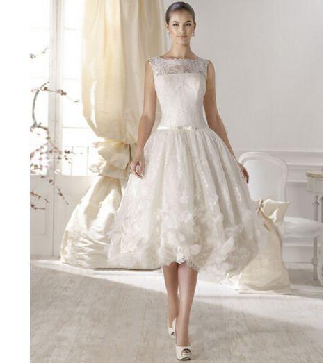 2015 nya kort Vintage bröllopsklänningar Scoop urringning ärmlös balklänning Tea Längd Lace brudklänningar