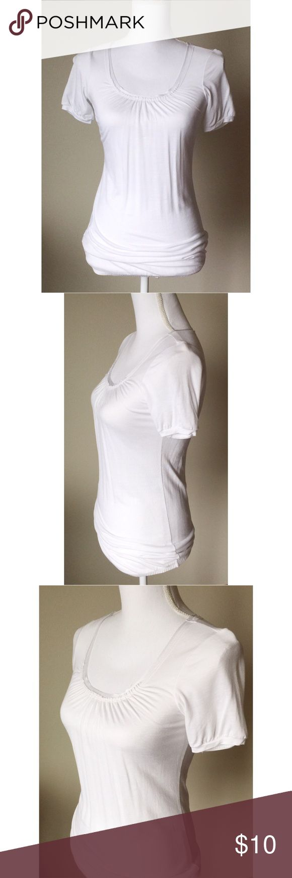 Maternity short sleeve tee Cute short sleeve tee with a satiny trim around the neckline. Technically a maternity top, but you can't tell its maternity, so could be worn by anyone. Tops Tees - Short Sleeve