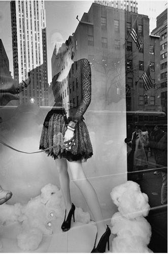 Lee Friedlander: Mannequin. S)