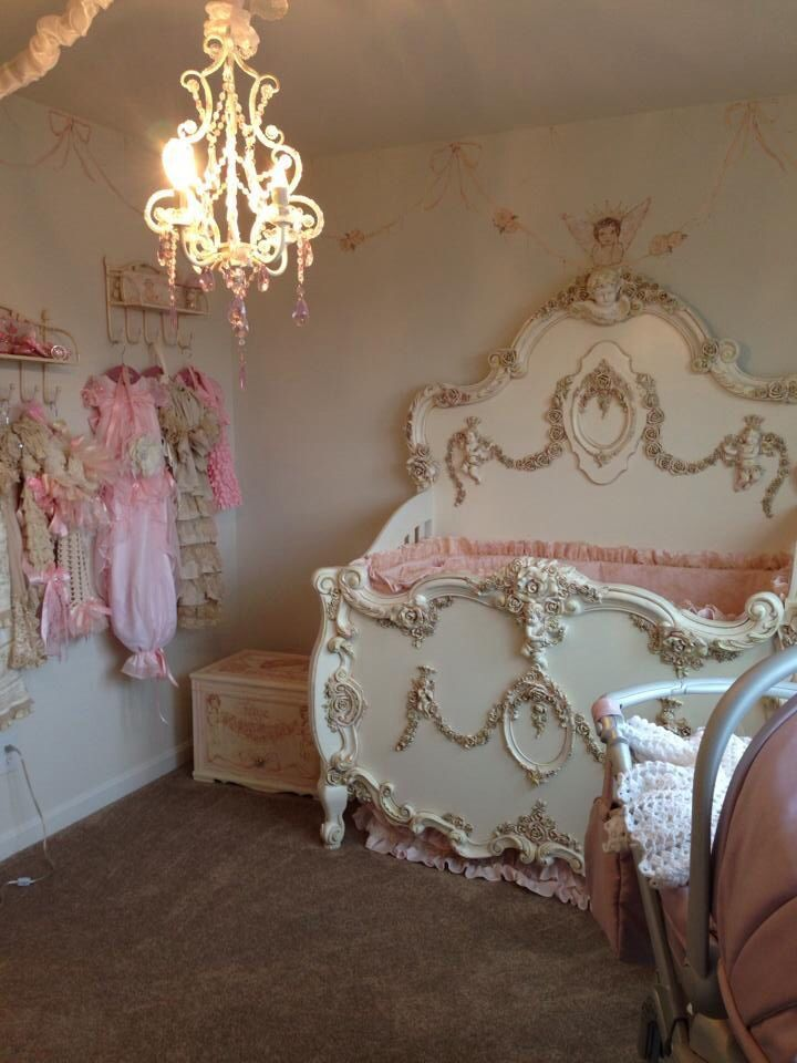 25 best ideas about victorian cribs on pinterest victorian kids furniture victorian baby - Deco babybed ...