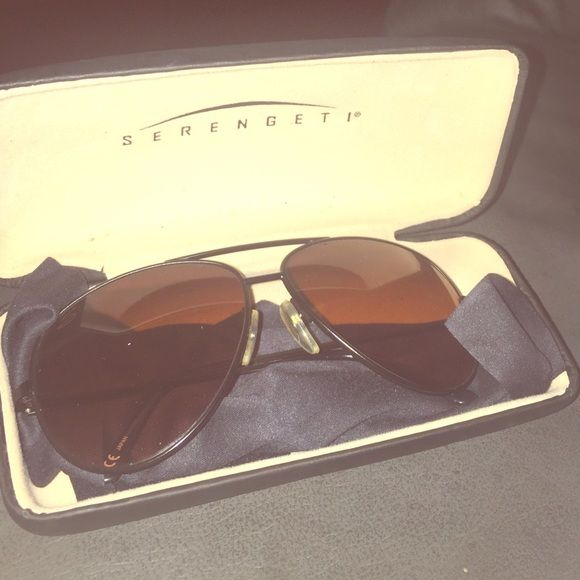 Serengeti sunglasses Serengeti aviator sunglasses. comes with everything in the first picture, case, cloth, and sunglasses. perfect condition Serengeti  Accessories Sunglasses
