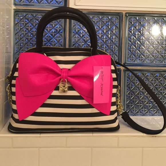 "Selling this ""Betsey Johnson Pink Bow Purse "" in my Poshmark closet! My username is: merluna. #shopmycloset #poshmark #fashion #shopping #style #forsale #Betsey Johnson #Handbags"