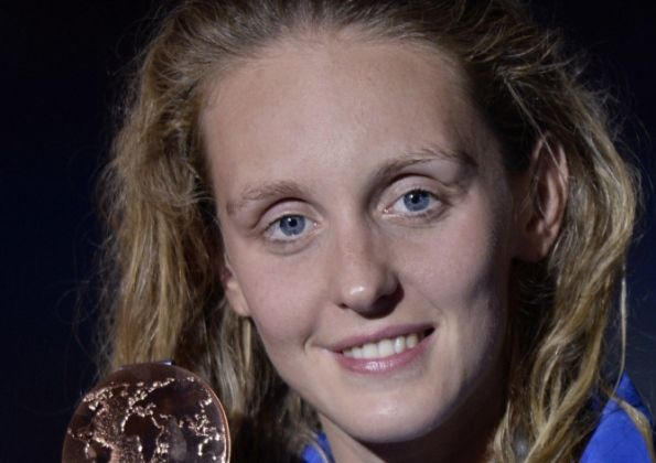 After almost three years without a major medal Fran Halsall claimed 50m freestyle bronze to save Great Britain's blushes at the World Swimming Championships – and then kicked herself for not winning gold.