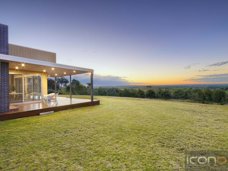 Outdoor living - Check out that view! #Australianhomes #modern